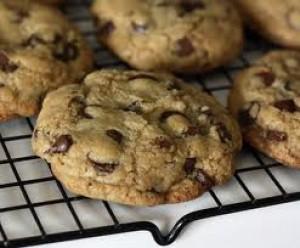 Low Sugar Gluten Free Chocolate Chip Cookies